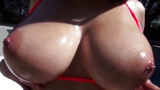 Kinky whore is getting her anal rubbed on rough