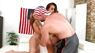 Hulk dude is trying to slam these two horny babes