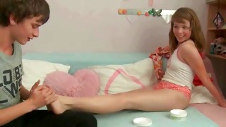 Junior beauty is getting her feet massaged away back raw core sexual intercourse