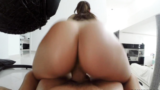 Czech Pussy Begs For The Creampie